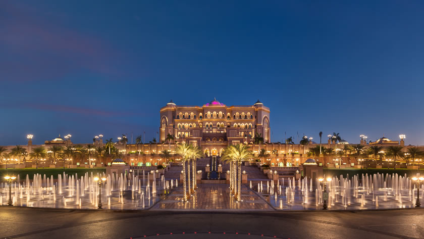 Emirates-Palace-Fountains