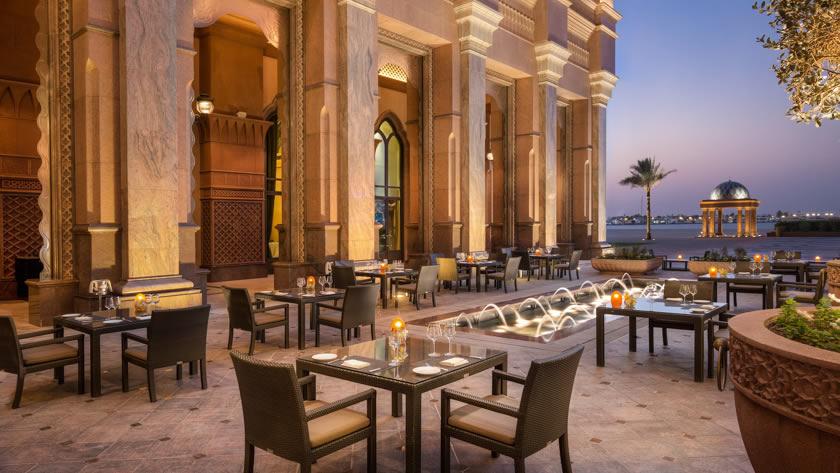 Emirates-Palace-Mezzaluna-Terrace