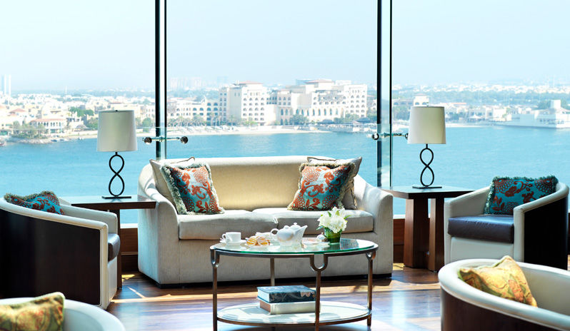The Ritz Carlton Abu Dhabi Grand Canal Club Lounge Detail